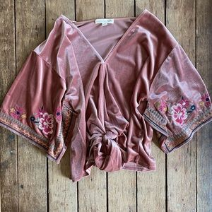Love Stitch Floral embroidered Blouse Size M